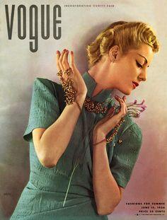 Vogue June 1936 - photo by Edward Steichen Helen Bennet wearing dress by Jessie Franklin Turner
