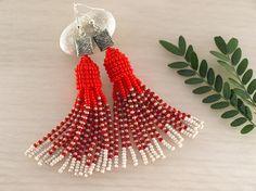 Red bead tassel earring Oscar de la Renta Seed bead earring