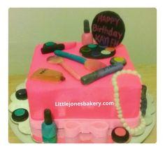 Happy Birthday, Birthday Cake, Custom Cakes, My Favorite Things, Desserts, Food, Happy Aniversary, Personalized Cakes, Happy B Day