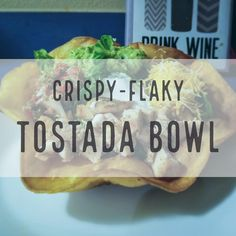 The easiest, and most delicious way to eat a tostada bowl. Easy Weeknight Meals, Easy Meals, Family Meals, Kids Meals, Healthy Low Calorie Snacks, New Recipes For Dinner, Snack Recipes, Healthy Recipes, Easy Recipes