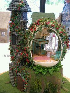 Beautiful fairy garden! Sleeping Beauty Castle ( 1/4 scale).