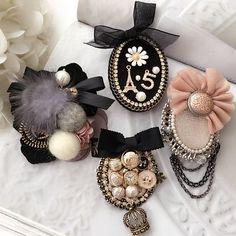 韓國東大門代購胸針徽章氣質複古蝴蝶流蘇水晶毛衣胸花別針配飾女