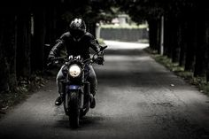 You might be a Royal Enfield enthusiast and a legendary rider (in a group). But, when it comes to a solo bike ride there are certain musts to keep in mind. Here are 10 from a passionate rider. Motocross, Motorcycle Safety Gear, Moto Bike, Road Trip Moto, Harley Davidson, Diesel, Kristen Ashley, Citation Entrepreneur, Excursion