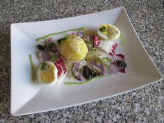 Oeuf et pomme de terre comme un plat  de  Noelle avec  sauce  berneaise Gino D'Aquino