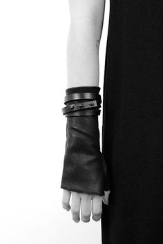 WRAPPED LEATHER GLOVES