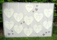 Wedding Details - Tableau  a CUORI  con cartoncini a forma di cuore