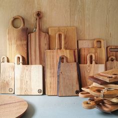 More boards. Some of them are going to National Trust Gallery in Widecombe in the Moor. (at Cockington Court Craft Centre) Diy Cutting Board, Wood Cutting Boards, Wooden Chopping Boards, Wooden Kitchen, Diy Kitchen, Kitchen Ideas, Wooden Crafts, Wood Design, Wood Carving