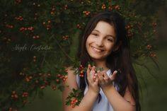 Portret de fata cu fructe rosii Fine art children portrait, girl with red berries. Art For Kids, Art Children, Red Berries, Fine Art, Portrait, Art For Toddlers, Kid Art, Art Kids, Headshot Photography