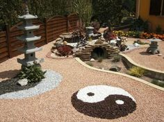 Feng Shui Garden Design Ideas That Will Create Positive Energy Small Japanese Garden, Japanese Garden Design, Back Gardens, Outdoor Gardens, Rock Garden Design, Front Yard Landscaping, Garden Art, Landscape Design, Organic Gardening