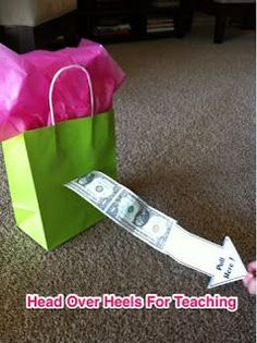 Head Over Heels For Teaching: Money Gift Bag Easy Gifts, Homemade Gifts, Cool Gifts, Unique Gifts, Simple Gifts, Birthday Money Gifts, Graduation Gifts, Gift Money, Money Gifting