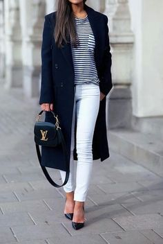 How to wear white jeans during Fall