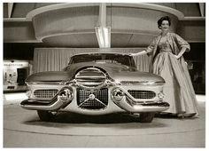Una epoca maravillosa donde los diseñadores de automóviles tenían carta blanca para crear coches únicos. Disfruta de este Le Sabre de 1951