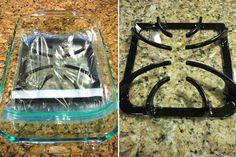 Положите решетку в пластиковый мешок и добавьте 2–3 столовые ложки нашатырного спирта. Через 12 часов промойте ее.