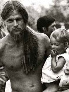 back-to-the-garden-1969: Tom Law and his daughter Pilar at Woodstock
