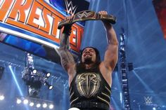 Roman Reigns becomes the New World Heavyweight Champion at Wrestlemania 32.