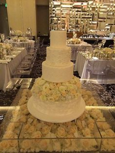 Beautiful #white #wedding cake at #StRegisBalHarbour. The perfect place for your special day. #luxury #miami #balharbour #StRegis