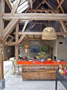 les vieilles granges, poutres de bois apparentes et bar original
