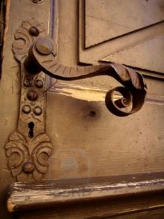 old fashioned door knob