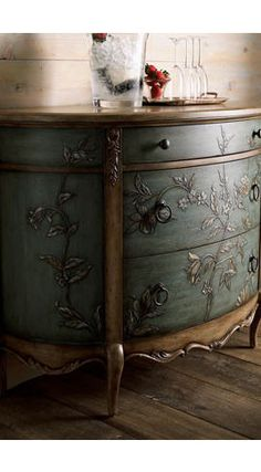 ONE OF MY FAVORITES/Blue Chest traditional dressers chests and bedroom armoires Anybody can develop a home sweet home, even when the budget. Hand Painted Furniture, Refurbished Furniture, Paint Furniture, Repurposed Furniture, Furniture Projects, Furniture Makeover, Vintage Furniture, Painted Dressers, Painted Chest