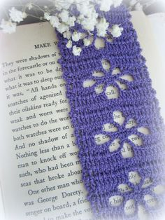 purple crochet bookmark.. Spider stitch bookmark... Free pattern!!