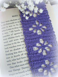 purple crochet bookmark --> Virkattu kirjanmerkki