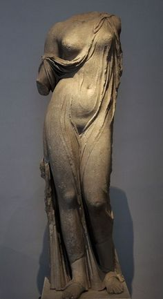 "Aphrodite marble staue, known as ""Aphrodite Charis"" - Roman copy from Hellenistic reworking, at the Palatine Museum, Rome"