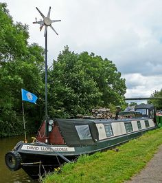 David Lloyd George in the Leeds and Liverpool Canal, Skipton