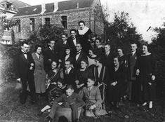 Duas famílias judias alemãs em uma reunião antes da Guerra. Apenas duas pessoas deste grupo sobreviveram ao Holocausto.  Foto tirada na Alemanha, 1928.