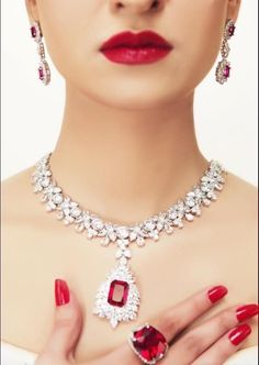 ༺She is far above rubies. Proverbs 31:10༺