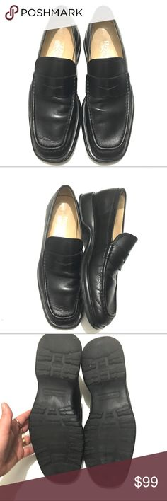 Ferragamo Men's Black Leather Penny Loafers. 10D. Men's black Ferragamo penny loafers. Size 10D. Leather upper, rubber soles. Uppers in great used condition. Soles have a bit of wear as shown but have lots of life left.  Style: UH 40453 E22 Ferragamo Shoes Loafers & Slip-Ons