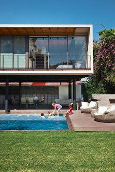 Cocoyoc House, Cocoyoc Mexico by Transepto Architects in Mexico City.  Architect Joaquin Castillo