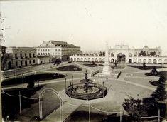 La Recova de la Plaza de Mayo (por entonces Plaza Victoria)