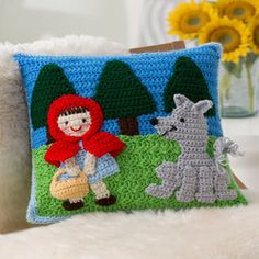 Make It: Red Riding Hood Pillow - Free Crochet Pattern #crochet #ravelry #free