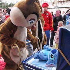 #Disneyland Paris. Dale is babysitting stitch on Main Street #DLP #DLRP #Disney Chip & Dale / Tic & Tac