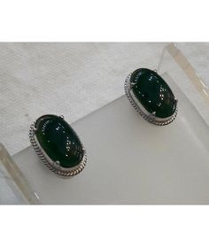 This authentic Myanmar Jade EARRINGS is originally and professionally handmade. It is a unique piece of Myanmar imperial Jade; the first grade material (A type Jadeite). It is 100% Myanmar natural jade. This item is made with silver. The product certification will be provided. Weight: 5g