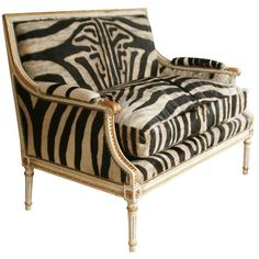 Fabulous Louis XVI Giltwood Settee with Zebra Upholstery, great for my daughters room! Animal Print Furniture, Animal Print Decor, Animal Prints, Sillas Chippendale, Furniture Decor, Furniture Design, Furniture Upholstery, Accent Furniture, British Colonial Decor