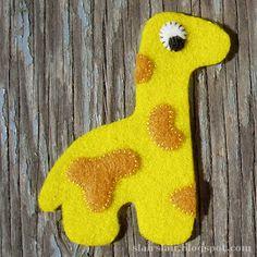 Felt or applique giraffe pattern - two sizes.