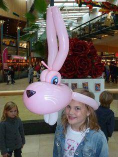 Balloon Toys, Balloon Hat, Balloon Animals, Balloon Decorations, Balloon Ideas, Balloon Pictures, Balloon Modelling, Balloons And More, Halloween Party Costumes