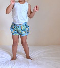 Bubble Shorts, size 3T, Feather print, ready-to-ship