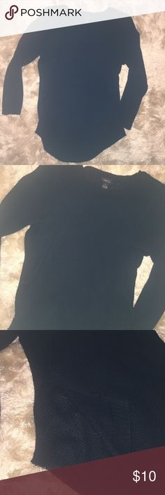 •RUE21• Black Sweater Gently used. No stains/tears. Smoke free home.   Side splits. Little to no piling.   •Sorry, I do not model clothing items•  No trades/holds Rue21 Sweaters Crew & Scoop Necks