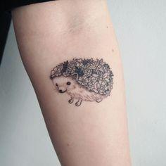 Tenerissimi tatuaggi con ricci e porcospini: idee e significato
