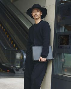 The Kansai computer folio worn by @kohei_sugiyama in the latest @tomorrowland_jp editorial #kansaifolio #computercase #travelessentials #tokyo #japan #tomorrowland_jp #wantlesessentiels #menswear #mensfashion by wantlesessentiels