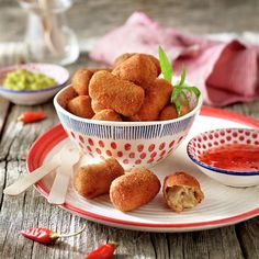 Haz que las croquetas de cocido sean un auténtico manjar... Pesto, Tapas, Salsa Picante, Snack Recipes, Snacks, Coco, Carne, Food To Make, Muffin