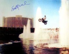 New Years Eve, Dec. Evel Knievel jumps the fountains at Caesars Palace. 40 broken bones, coma, and stardom Las Vegas Hotels, Las Vegas Nevada, Married In Vegas, Caesars Palace, Las Vegas Strip, Sports Photos, Back In The Day, New Years Eve