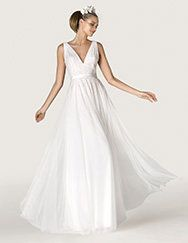 Pronovias > Wedding dress Araceli. Collection CITY 2015