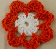 Join us as we walk you through the steps to learn how to crochet a flower that features two colors in this video tutorial. Crochet Flower Tutorial, Crochet Flower Patterns, Crochet Flowers, All Free Crochet, Learn To Crochet, Easy Crochet, Crochet Videos, Color Change, Eyes