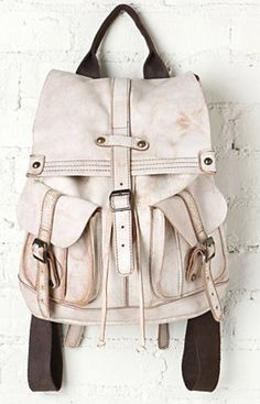 ...  Bag. Mochila. Travel. White. Style.
