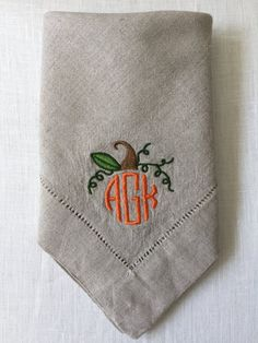 Embroidered Linen Cloth Napkins Pumpkin Monogram, fall decor, thanksgiving decor, Monogramed Napkin. Great throughout the whole fall season and