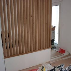 Customized manufacture of a low cabinet and movable trellis - Modern House Design, Low Cabinet, Baby Room Storage, Decor, Home Room Design, Furniture, Tiny House Decor, Room Design, Home Renovation