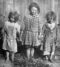 The London Poor Looks like c 1900